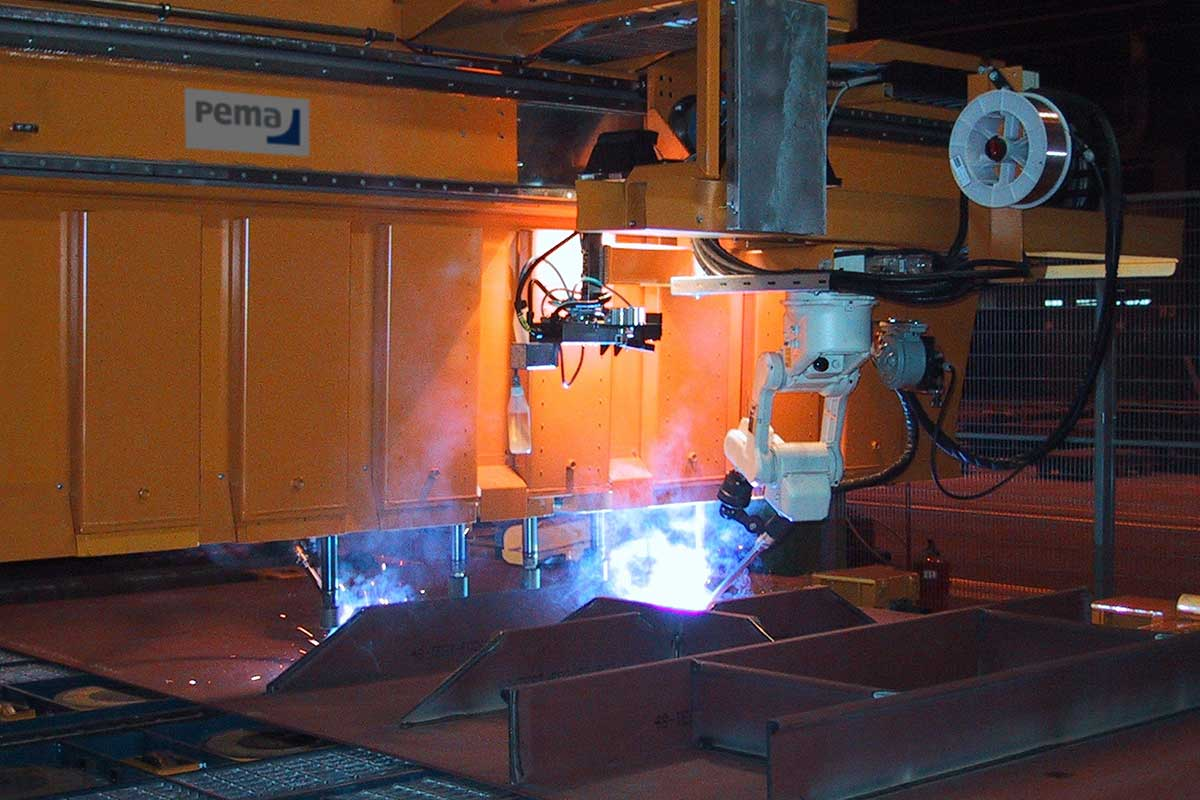 007_PEMA-MicroPanel-FMS,-Automated-Stiffener-Mounting-and-Welding