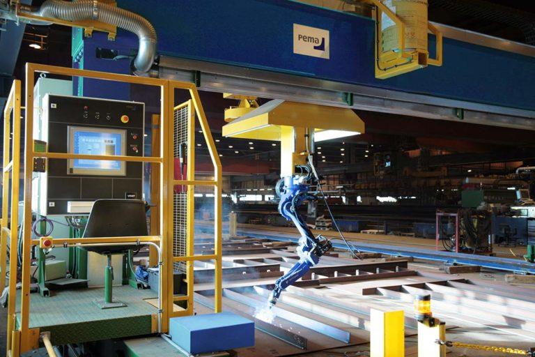 007-PEMA-Micro-panel,-Robot-welding-portal,-VRWP-S-WeldControl-200-010